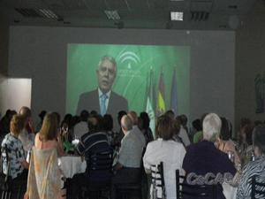 Proyección del vídeo de Menacho.