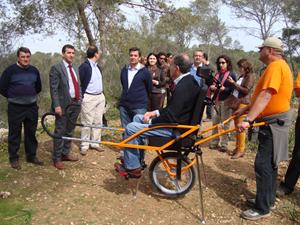 La silla adaptada para discapacitados.