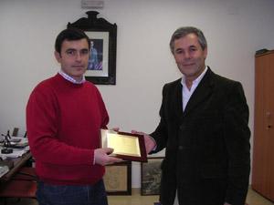 Ángel Acuña, alcalde de Algodonales, y Carlos Santos Valle, en una imagen de archivo.