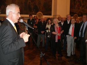 El director general animó a los directivos a transmitir el legado de la emigración a las nuevas generaciones.