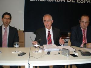 Alfredo Bayona, Aurelio Miras Portugal y Julio Olmos.
