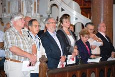 Dirigentes del PP de Uruguay en el oficio religioso.