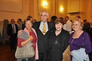 Miras recibió el cariño de los emigrantes en Montevideo.
