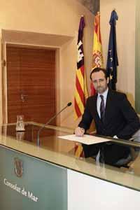 José Ramón Buazá.