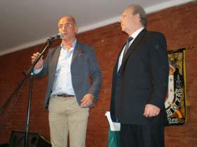 Intervención del secretario xeral en el aniversario de Hijos de Zas junto a su presidente, Ángel Pereira.