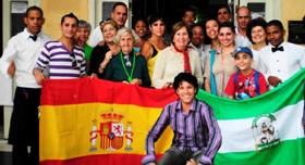 Participantes en el homenaje a María Zambrano. De pie en el centro, la presidenta Blanca Mª Fernández.