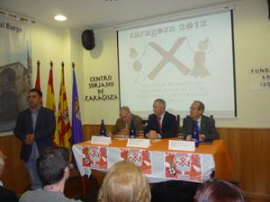 A la inauguración asistieron el director general de Política Educativa del Gobierno de Aragón, Manuel Magdaleno; el presidente de la Confederación de Casas Regionales de España, José Luis Casas; y el presidente de la Federación de Casas regionales en Aragón, Jaime Feijoo.