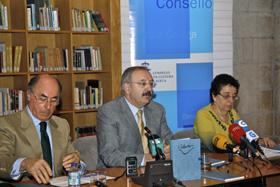 Alfonso Paz-Andrade, Ramón Villares y Rosario Álvarez en la presentación del libro.