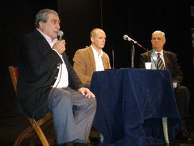 Carlos Vello calificó a Paz-Andrade como un ejemplo a seguir por toda la colectividad.
