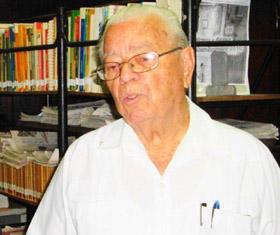 Carmelo González.