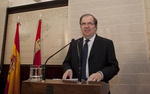 El presidente de la Junta, Juan Vicente Herrera, explicó los Presupuestos para 2012.