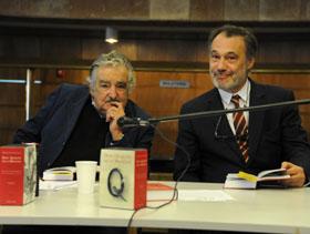 José Mújica y Roberto Varela en la lectura de 'El Quijote'.