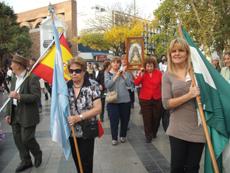 La imagen de la Virgen del Rocío llevada en procesión.