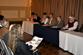 Jorge Torres se dirige a los miembros de Fieu en un momento de la asamblea.