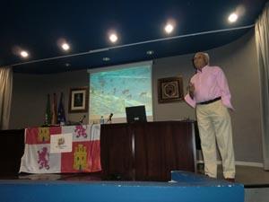 Eliseo Morán es cirujano taurino, ganadero de reses bravas y socio de la Casa.