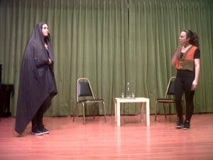 Los socios asistentes disfrutaron con el buen hacer de dos extraordinarias y jóvenes actrices.