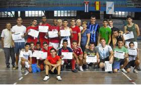 Los jóvenes que participaron en el torneo.