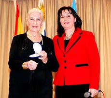 Élida Censato, izquierda, con la presidenta del Patronato, Ana Lorenzo.