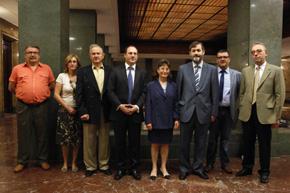Rafael Rodríguez-Ponga, tercero por la derecha, con la delegación de las Asociaciones Españolas de Padres de Familia de Alemania, Francia y Suiza.