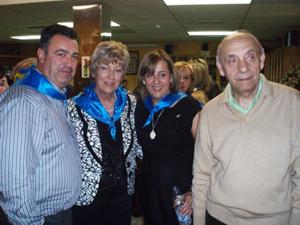 Begoña Serrano (2ª por la derecha), en una visita al Centro Asturiano de Zaragoza.