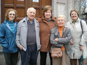 Donsión, en el centro, junto a algunos de los socios que participaron del acto.