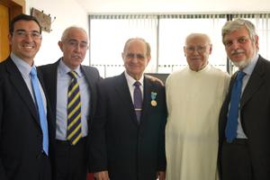 Miras Portugal y Daniel Suárez Rodríguez, segundo y tercero por la izquierda.