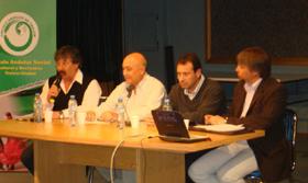 Los ponentes que participaron en la charla-coloquio.