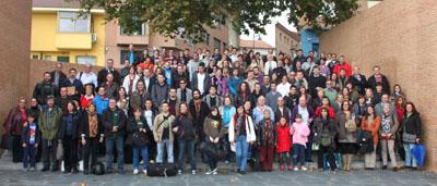 Foto de familia de los participantes en el II Congreso de Jóvenes Asturianos de Europa celebrado en Alcobendas.