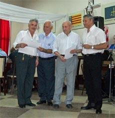 Entrega de diplomas a quienes llevan más de 50 años residiendo en Argentina.