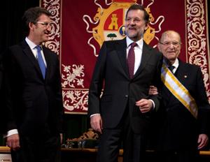 Feijóo, Rajoy y Gerardo Fernández Albor, en el homenaje al expresidente de la Xunta.