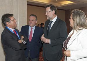 Mariano Rajoy y Alfredo Prada con directivos del PP en Chile.