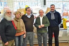José María Oliver (2º dcha.) con las autoridades que acudieron a la jornada.