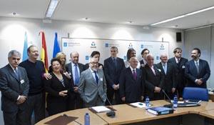 El conselleiro, Francisco Conde, en el centro, con los empresarios gallegos en el exterior.