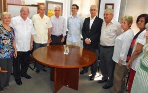 Miras Portugal con los miembros del CRE de Cuba.