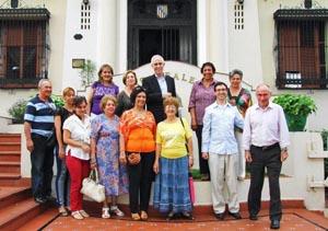 El director general de Migraciones con los responsables del Centro Balear.