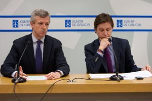 El vicepresidente Alfonso Rueda y el director xeral Jesús Gamallo, en la comparecencia.