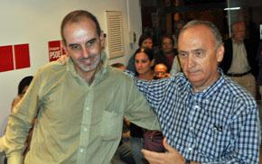 José Antonio Fernández y Javier Vila se saludan.