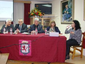 Mesa de debate con los alcaldes de San Emiliano, Murias y Villamanín.