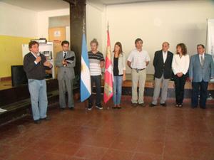 El intendente municipal, Gustavo Pulti, dirigió unas palabras ante el resto de autoridades y directivos del Centro.