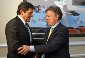 Javier Fernández con el presidente colombiano Santos Calderón.