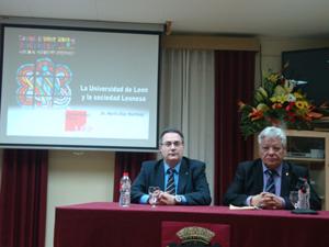 Mario Díez y Joaquín González Llamazares, presidente del Centro.