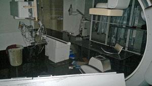 Una de las salas del Hospital Español de La Plata afectadas por las inundaciones.