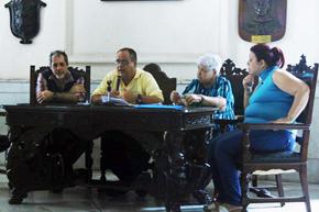 La mesa presidencia durante la asamblea de socios.