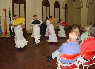 El Ballet Azahares hizo las delicias del público.