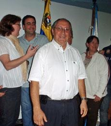 Juan Suárez Lemos con su equipo.