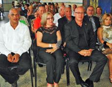 Sergio Toledo, a la derecha, fue reelegido como presidente de la entidad.