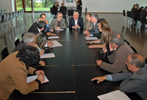 Reunión de la Comisión de Derechos Civiles y Participación en el pleno del CGCEE celebrado en Santiago en octubre de 2012.