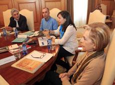La diputada Ana Isabel Vázquez presentó los nuevos libros publicados por la Diputación de Pontevedra.