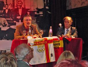 Castro Vázquez y Puebla en un momento de la exposición.