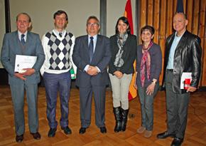 Los ponentes con el consejero de Empleo, Carlos Tortuero (3ºi.).